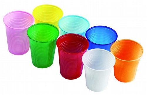 Пластиковые стаканчики