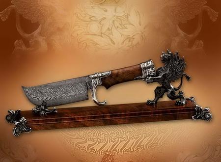 Нож на подставке Грифон
