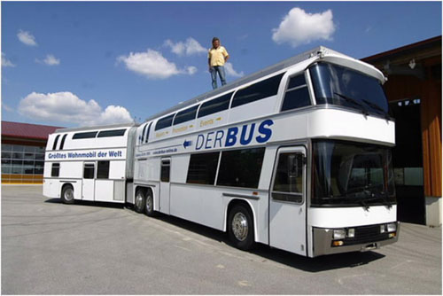Самый большой двухэтажный автобус