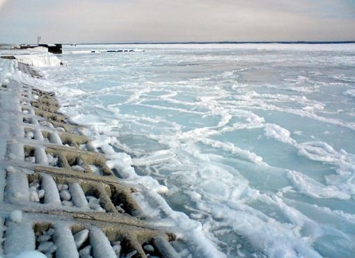 сильнейшие морозы сковали льдом южные берега Чёрного моря