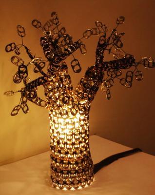 Лампа из колечек от алюминиевых банок